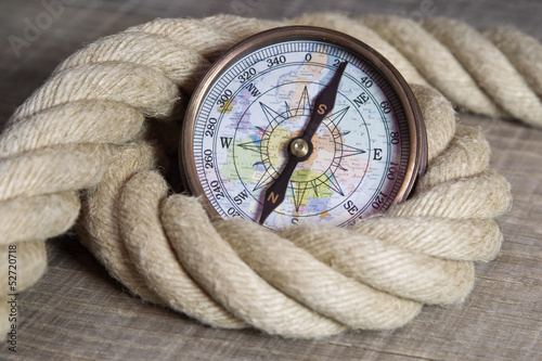 canvas print picture Maritime nautische Dekoration mit Tauwerk und Kompass