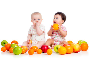 babies eating fruits