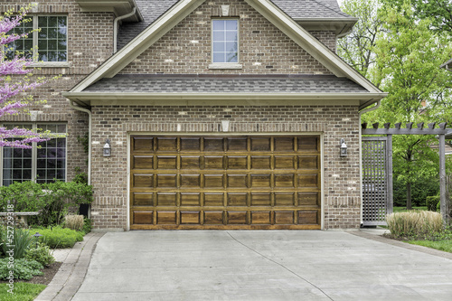 Two car wooden garage - 52729318