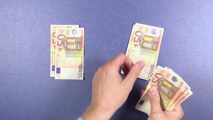 distributing 50 euros banknotes