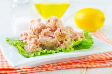 salad from tuna