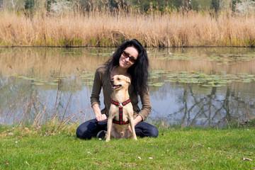 Frau mit Hund / Donaupark / Wien