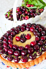 Cake with sweet cherries and custard.