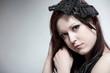 Junge Frau mit Vintage Kopfschmuck