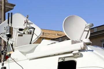 Emittente televisiva mobile - giornalisti