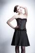 Junge Frau im Vintage Outfit