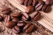 Kaffeebohnen mit Filter - Makro