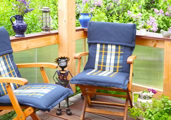 Relaxen auf der Terrasse im Mai