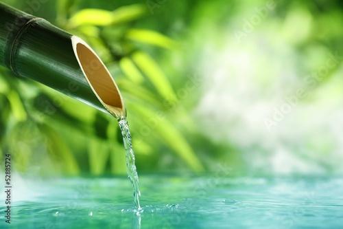 tradycyjna-bambusowa-fontanna