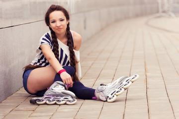 girl going rollerblading