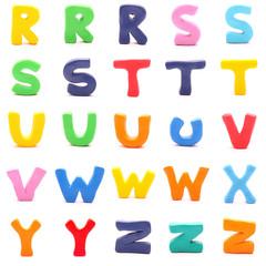 Alphabet aus bunten Knetfiguren isoliert auf weiß (3/3)