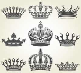 Set crowns in vintage style