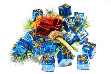 Новогодние яркие, красочные подарки
