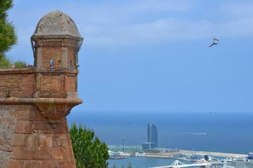 Vista del Puerto de Barcelona desde el Castillo de Montjuic