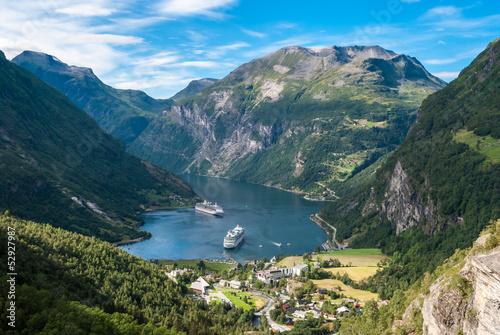 Deurstickers Scandinavië Geiranger fjord, Norway