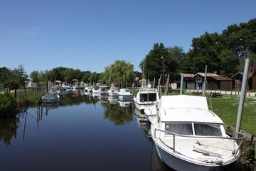 cabanes de pêcheur,biganos,bassin d'arcachon