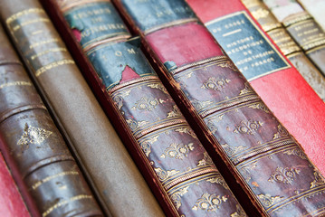 Livres reliés anciens