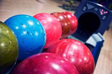 Distributeur de boules de bowling