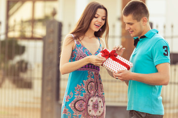 boyfriend a gift girl