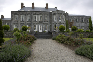 Durrow castle hotel and gardens backyard