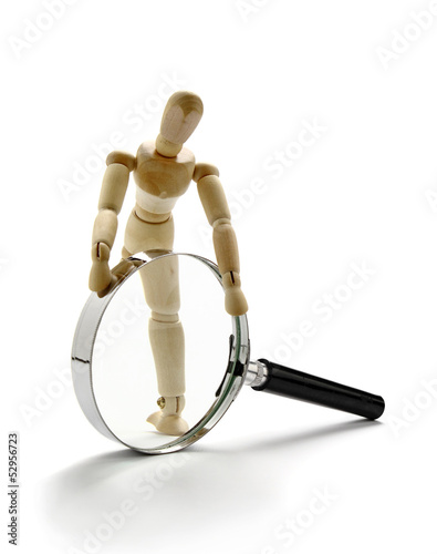 Manikin and magnifier
