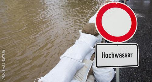 Sperrung wegen Hochwasser