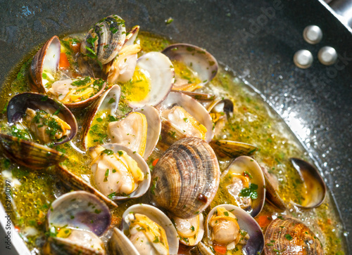 Delicious Fresh Steamer Clams with Garlic and Basil