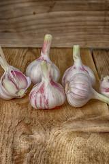 A sharp spice is a garlic