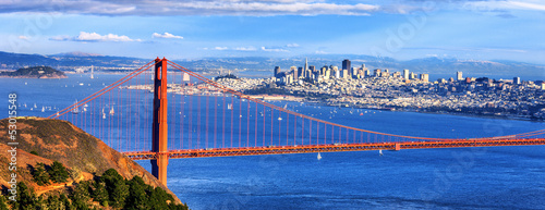 Foto op Plexiglas San Francisco Panoramic view of famous Golden Gate Bridge