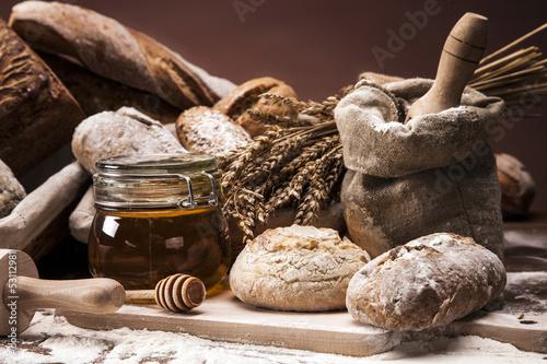 Fototapeta Traditional bread and rolls