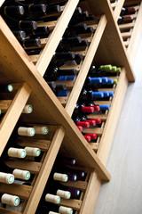 Chai, cave, caviste, vin, bouteilles, rangement, œnologie