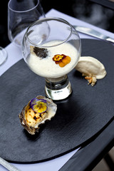 Huître, mousse, glace, fleur, caviar, verrine, créatif