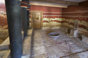 Throne hall of the knossos palace in crete