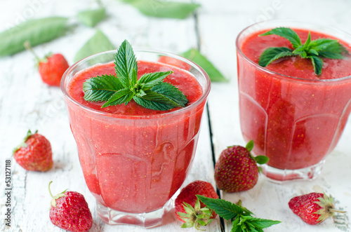 .Berry smoothie