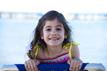 Bambina bella al mare