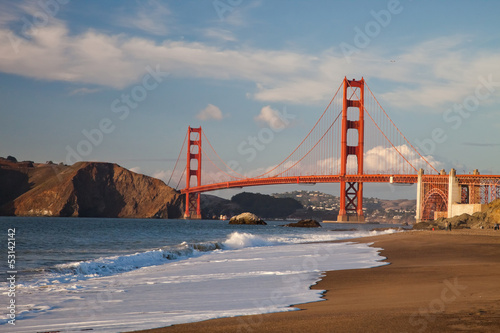 The Golden Gate Bridge w the waves