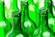 Viele grüne Flaschen