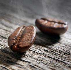 2 Kaffeebohnen