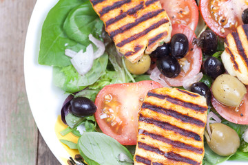 close up halloumi salads