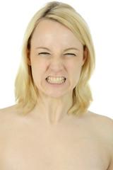 Junge Frau aggressiv und voller Zorn