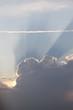 Sonnenstrahlen und Gewitterfront