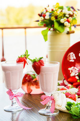 pana cotta strawberry decoration