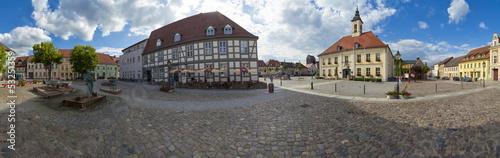 Marktplatz mit Rathaus in Angermünde als Panoramafoto - 53251359