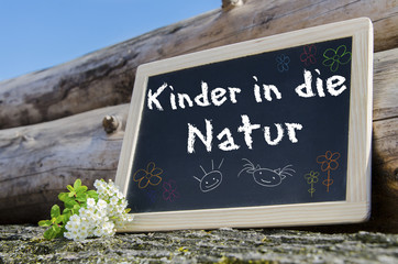 kinder in die Natur