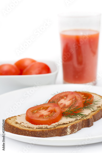 Bread with pate and tomato