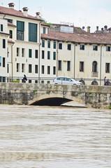 vicenza ponte pusterla piena fiume bacchiglione