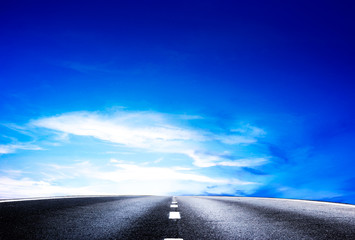 la strada cerso il cielo