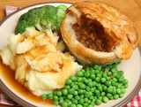 Staek & Kidney Pie with Vegetables