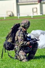 militaire -parachutiste