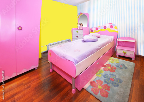 Girl pink bedroom